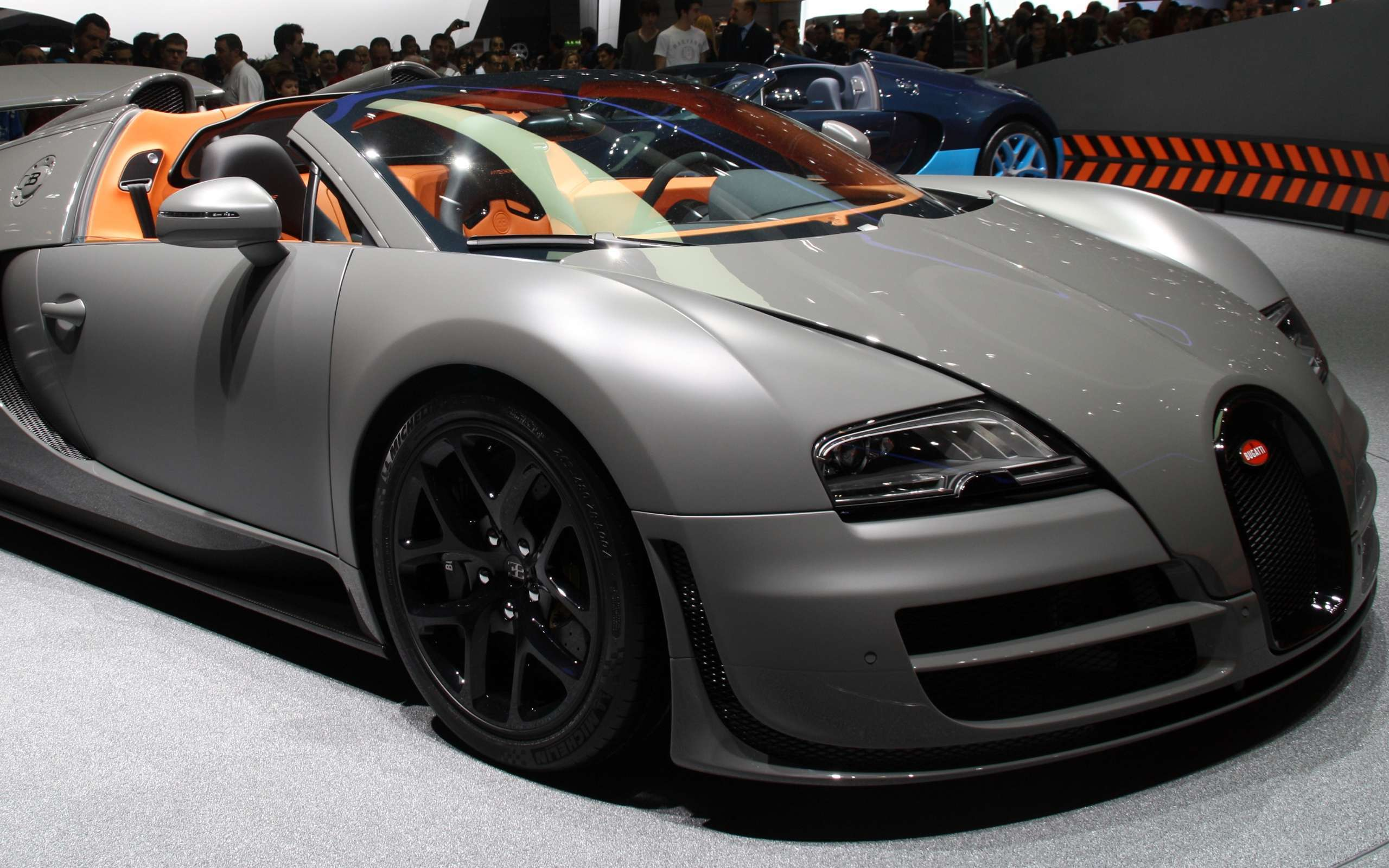 Bugatti Veyron  Free Car Wallpapers