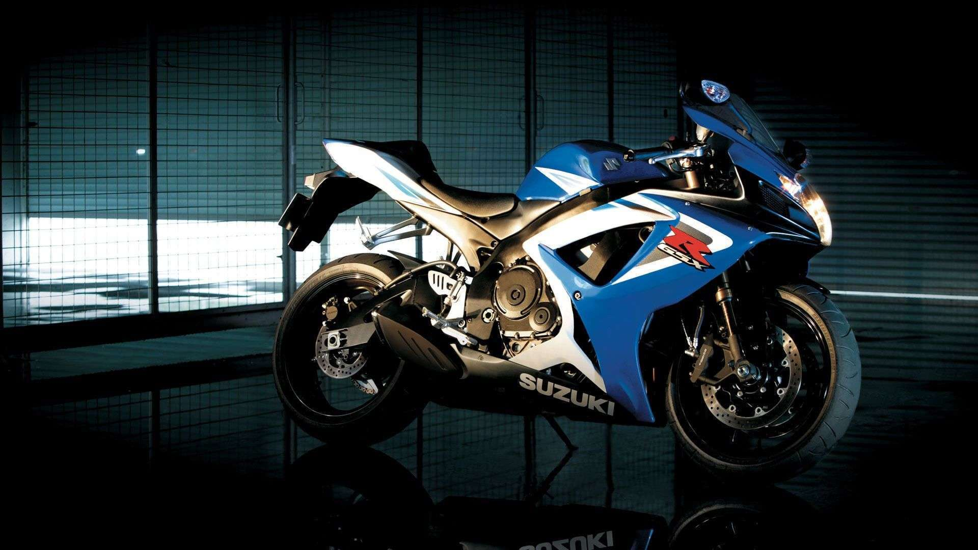 2013 Suzuki Gsx R750 Bike Wallpapers
