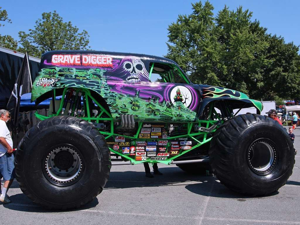 View of grave digger 11 wallpaper wallpapers hd car wallpapers - Grave digger wallpaper ...