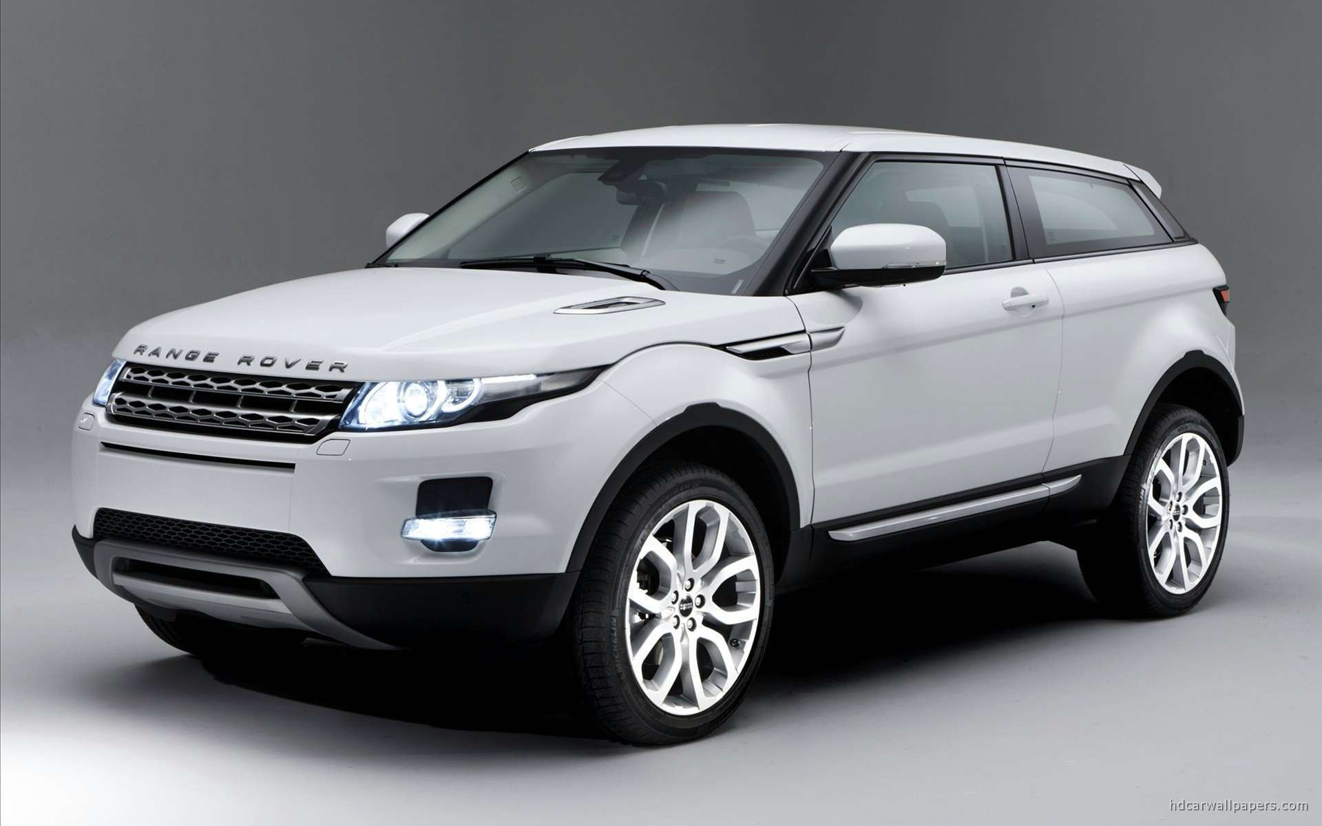 view of 2011 range rover evoque 5 hd wallpapers hd car. Black Bedroom Furniture Sets. Home Design Ideas