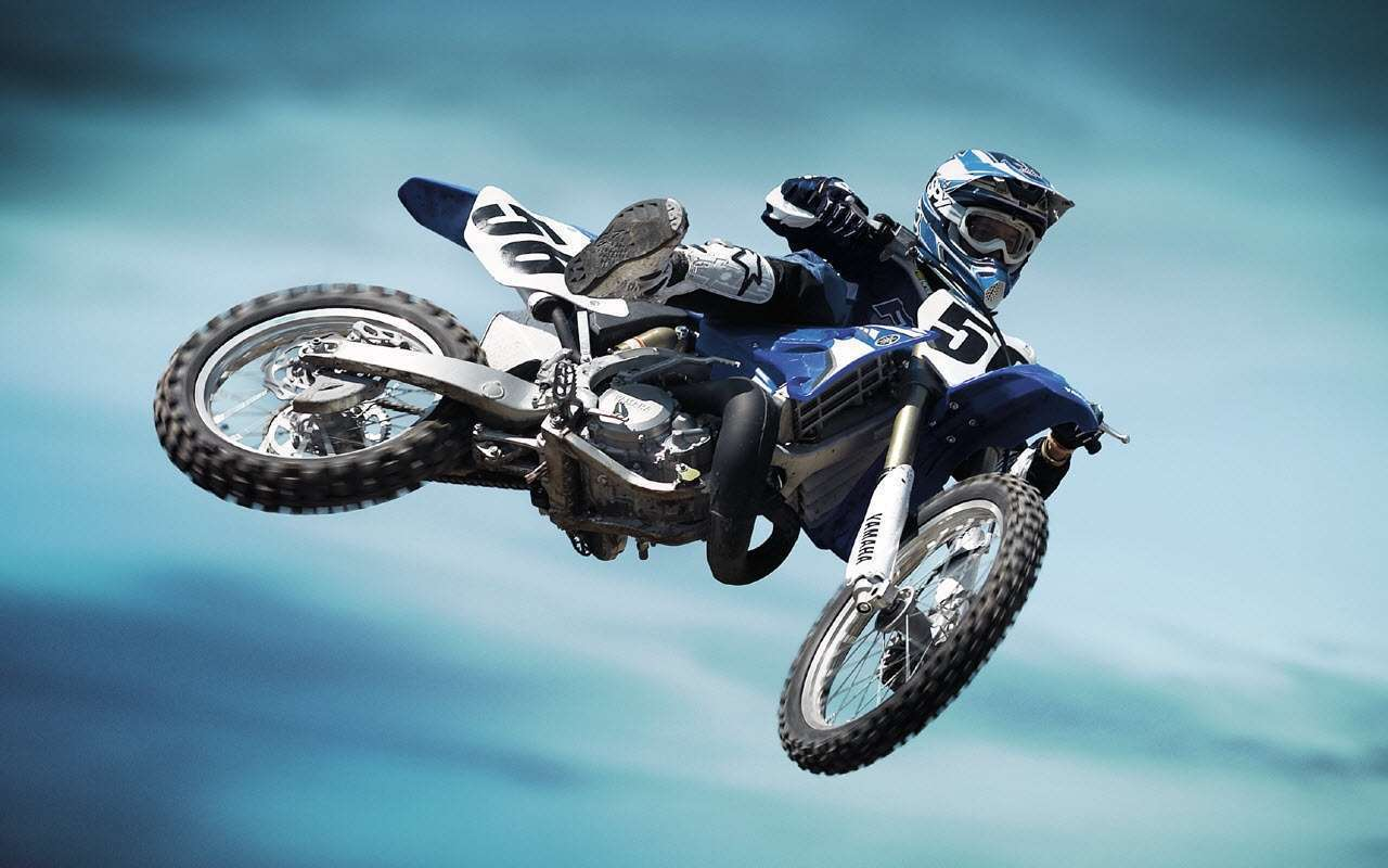 Yamaha Stunt Wallpaper : Hd Car Wallpapers | 1280 x 800 jpeg 82kB
